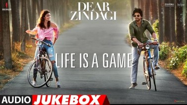 Aye Zindagi Gale Laga Le Song Lyrics