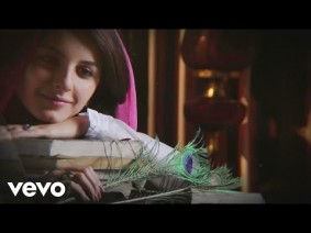 Yedhedho Pennae Song Lyrics
