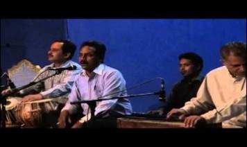 Hujr Aane Mein Bhi Hai Aur Bulaate Bhi Nahi Song Lyrics