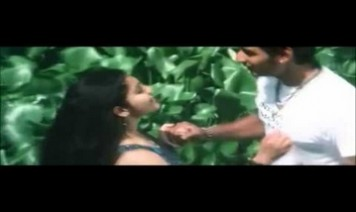 Nenjaankoottil Neeye Nirkiraai Song Lyrics