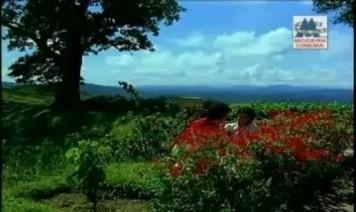 Poongathavey Thaazhthiravaai Song Lyrics