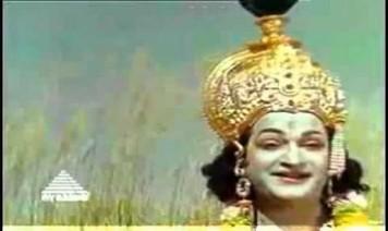 Ullathil Nalla Ullam Song Lyrics