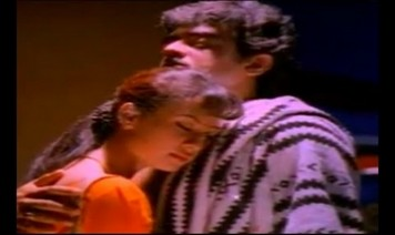 Vaannum Mannum Song Lyrics